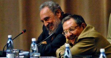 """Fidel sobre Raúl: """"Es para mí un privilegio que, además de un extraordinario revolucionario, sea un hermano"""""""